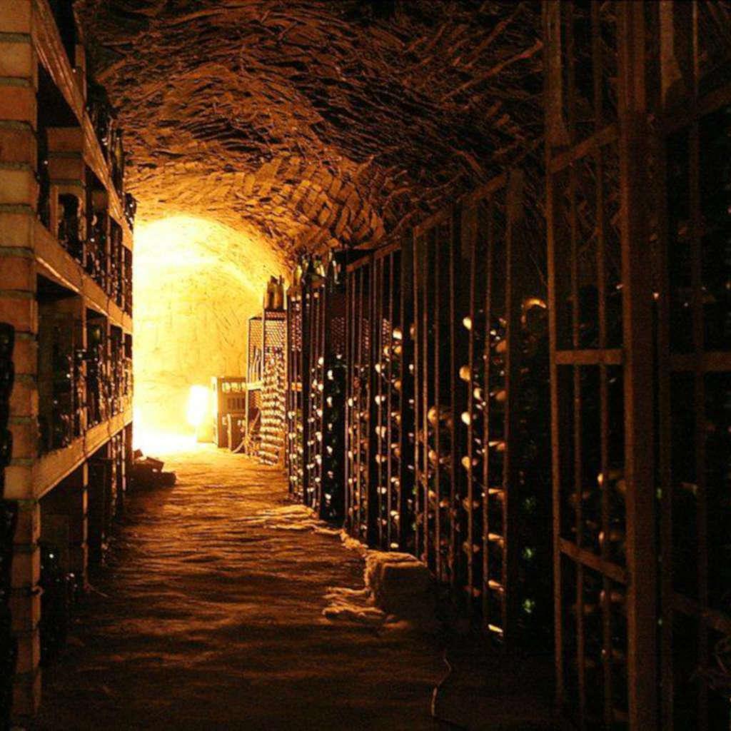 παλιές σοδείες κρασιών παλιαωμένες σε άριστες συνθήκες